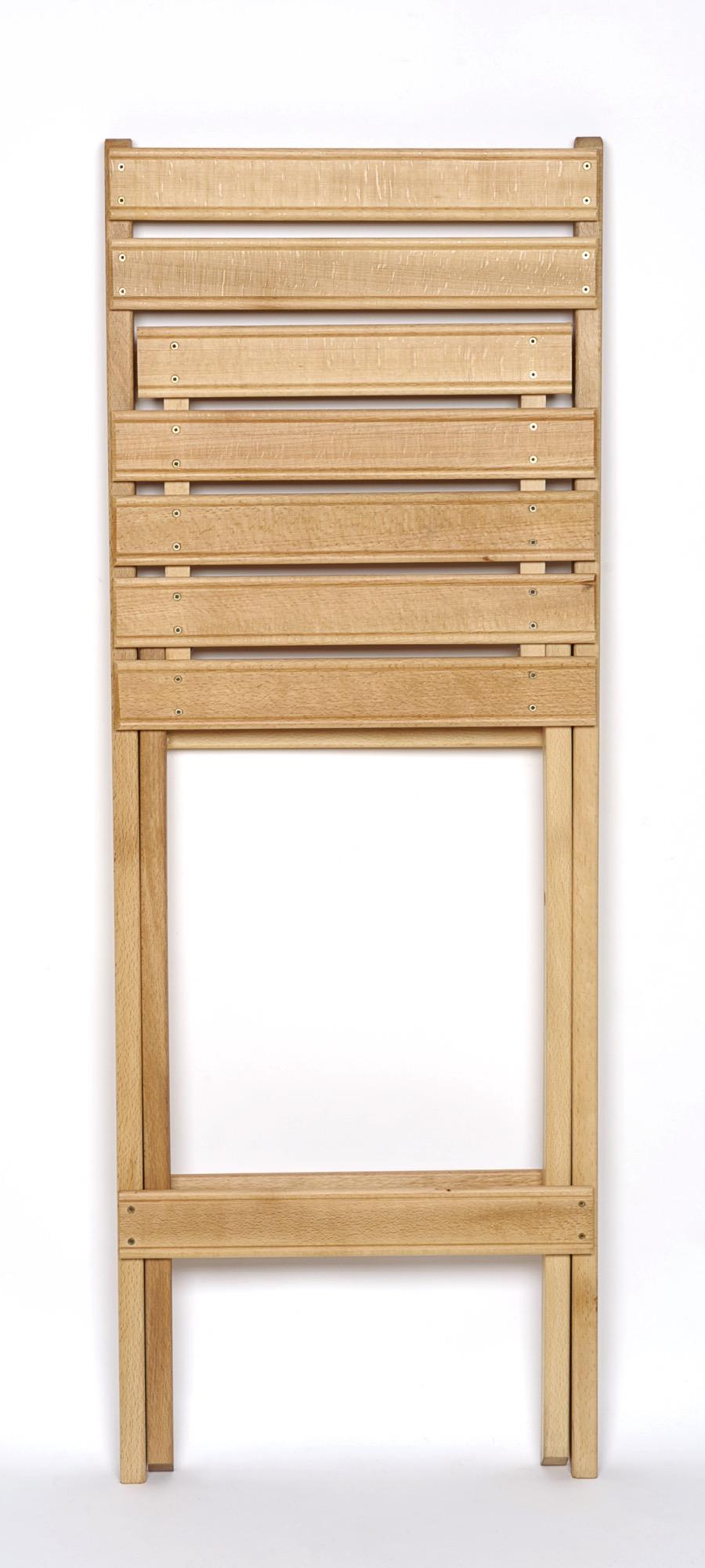 Sillas altas plegables de madera c diz garc a hermanos for Sillas de escritorio altas